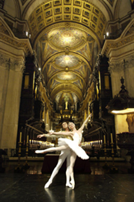 Daria Klimentova at St Pauls Cathedral.jpg