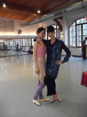 isabelle-ciaravola-posing-for-photos-after-class-6