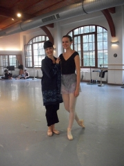 isabelle-ciaravola-posing-for-photos-after-class-2