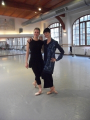 isabelle-ciaravola-posing-for-photos-after-class-3